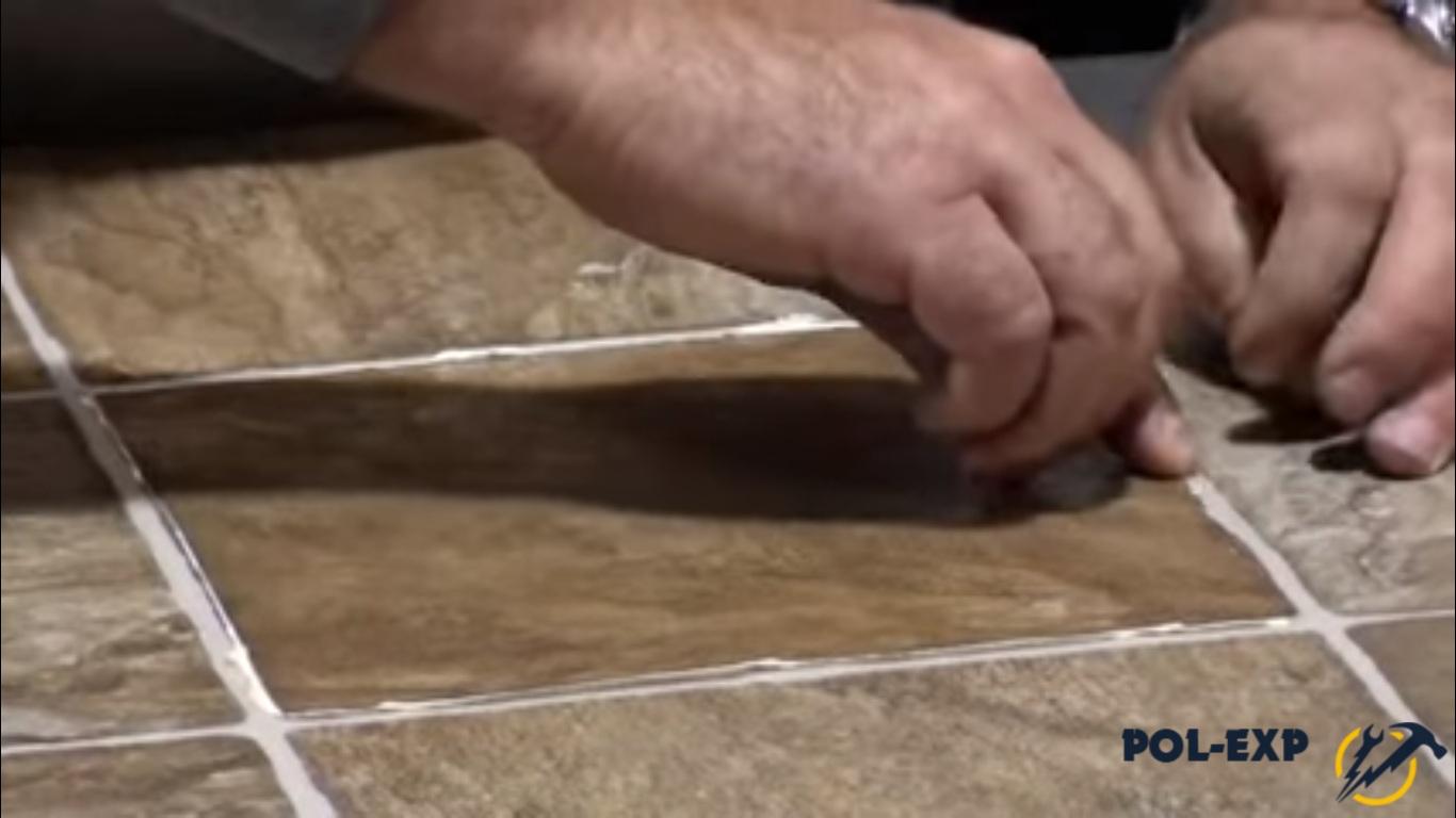 Как запаять стык линолеума своими руками