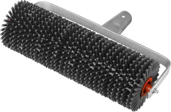 Игольчатый валик для удаления воздушных пустот в верхнем слое залитого бетона