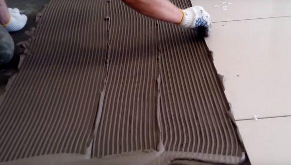 Излишки клея нужно удалять сразу же