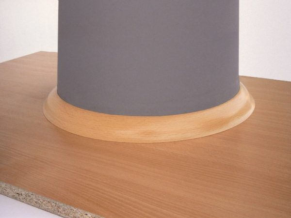 Монтаж гибкого плинтуса FN Neuhofer Holz вокруг колоны