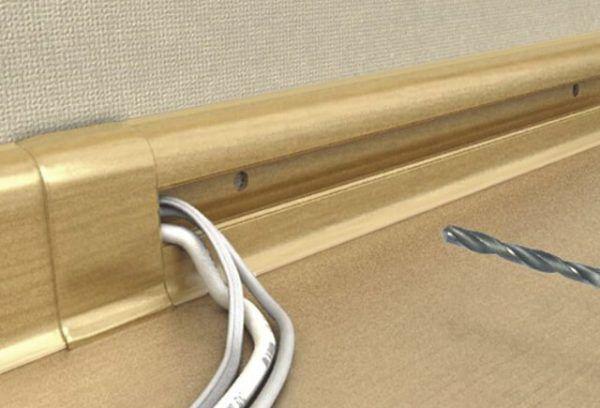 Особенности установки плинтуса с кабель-каналом