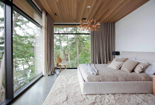 Пастельный ковер в спальне