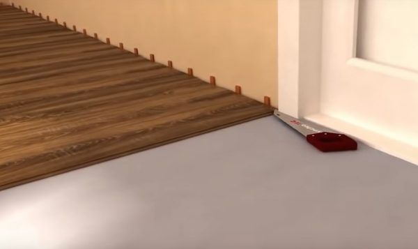 Подрезка наличника под толщину ламината