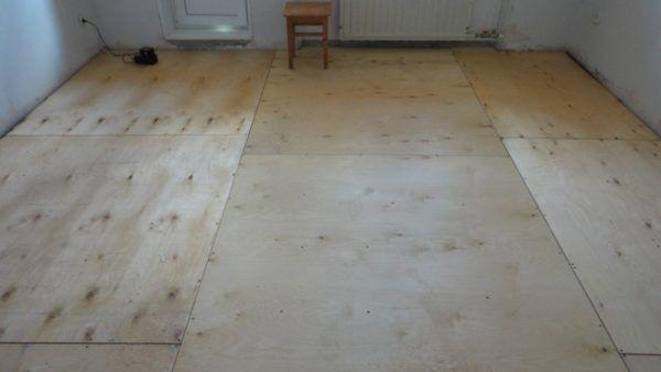 Укладка фанеры под ламинат на деревянный пол