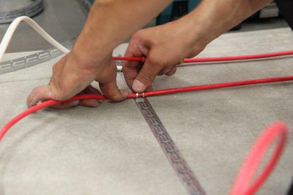 Укладка кабельного теплого пола