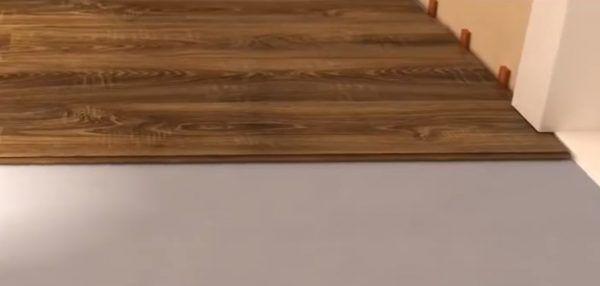 Укладка панели под наличник