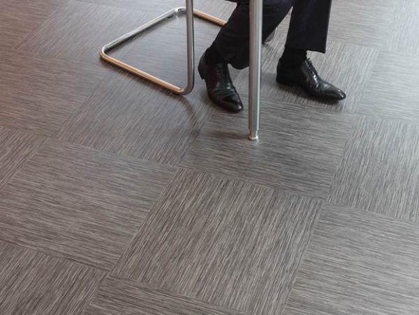 Виниловая плитка для пола