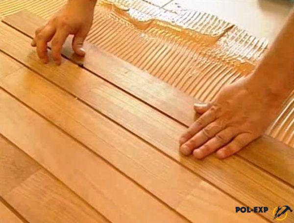 Для получения шва одинаковой толщины используются клинья