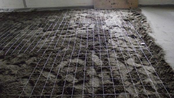 Армирование стяжки металлической сеткой