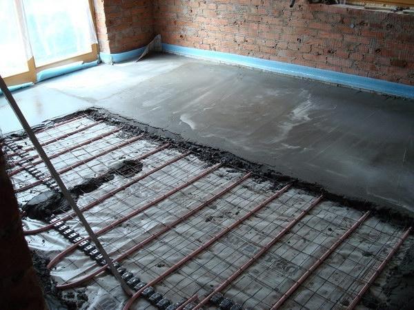 Как залить бетонный пол в деревянном доме
