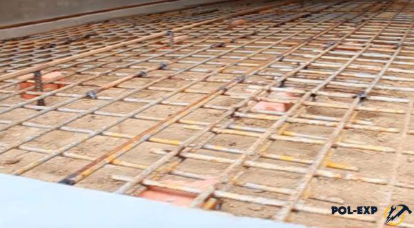 Нахлест между кусками армирующей сетки