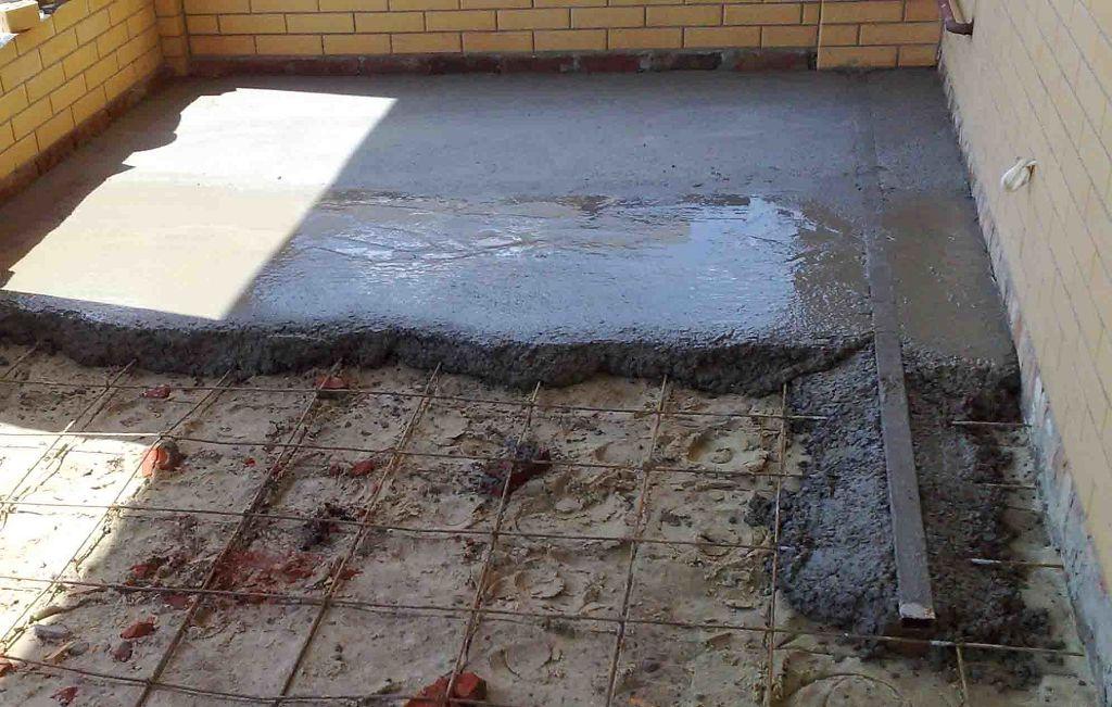 Как правильно уложить бетонный пол по грунту своими руками