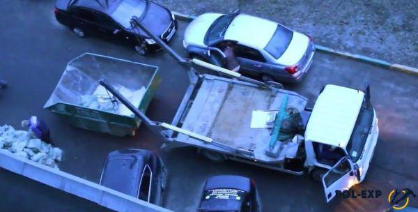 Для вывоза мусора понадобится грузовая машина