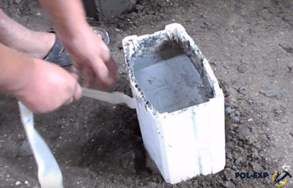 Форма после заливки бетоном