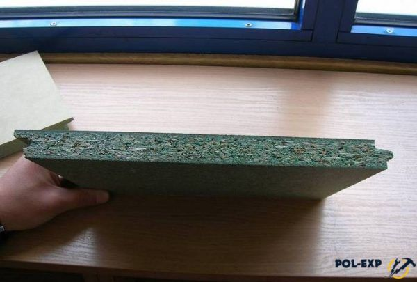 Шпунтованные влагостойкие плиты изготавливаются из древесной стружки, перемешанной с термореактивными смолами