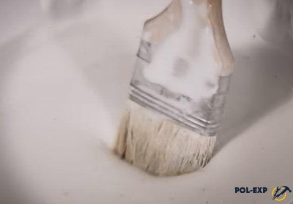 Клей используется для промазывания соединений