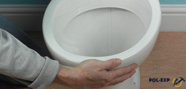 Проверьте, совпадает ли выпуск чаши с патрубком слива