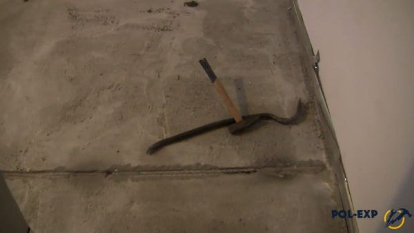 Маяки извлекают из бетона