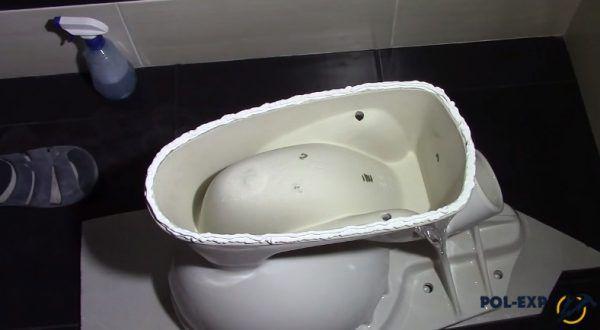 На фото показан, каким должен быть слой клея