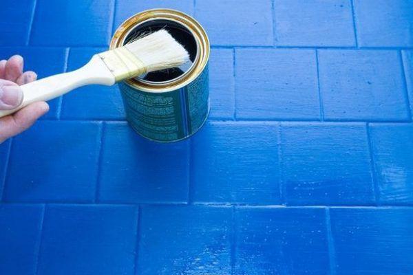 Как покрасить плитку на полу