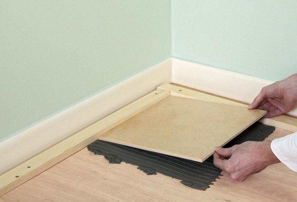 Укладка керамогранита на деревянный пол
