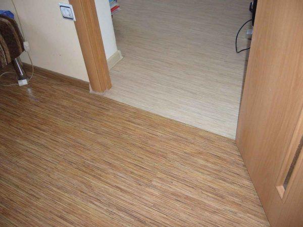 Как стыковать ламинат между комнатами