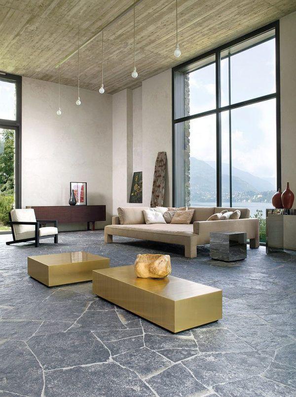 Каменный пол в гостиной - строго и элегантно