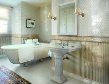 Керамический плинтус Royale Zoccolo Bianco в интерьере ванной комнаты