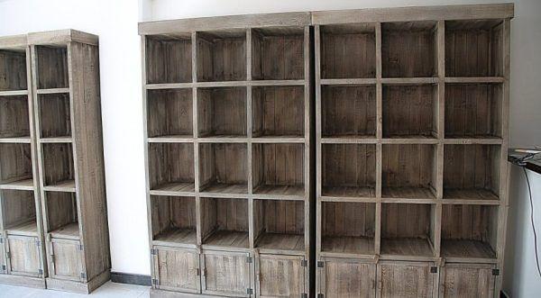 Мебель, которую нужно передвинуть, для начала следует опустошить