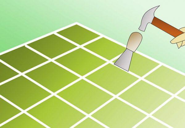Удаление плитки молотком и шпателем