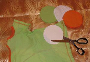 2-9-300x206 Как сделать ковёр своими руками: история развития ремесла, материалы для изготовления и мастер-класс
