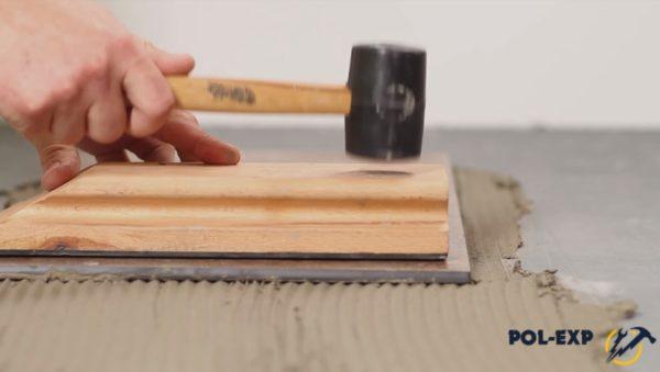 Выравнивание первой плитки