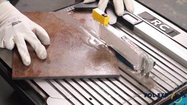 Резка плитки электроинструментом