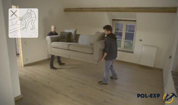 Переносите мебель, не перемещайте ее по паркетным доскам волоком