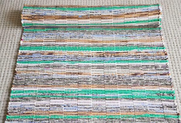 Domotkanyj-polovik-600x407 Как сделать ковёр своими руками: история развития ремесла, материалы для изготовления и мастер-класс