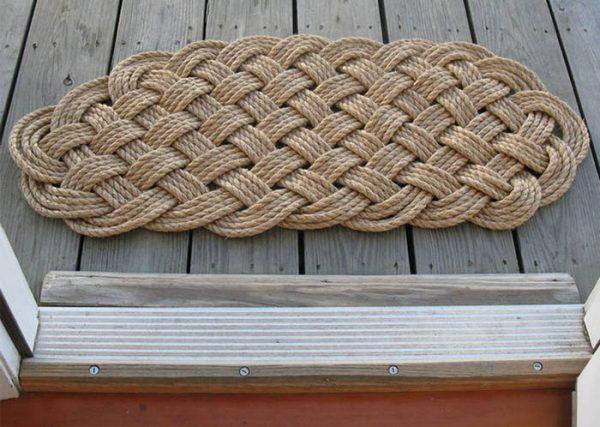 Плетеный ковер из шнура