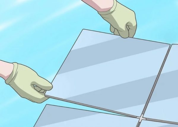 Процесс укладки напольной плитки