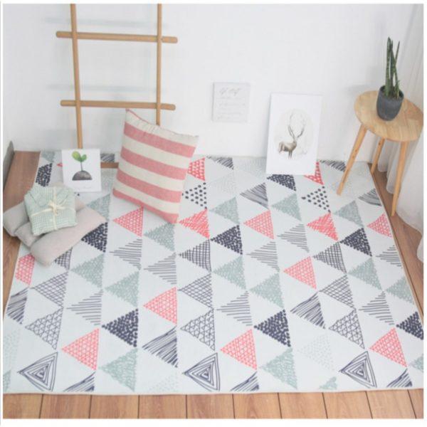 Рисунок на ковре должен гармонировать с элементами интерьера