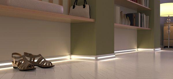 Современное решение - плинтус с подсветкой