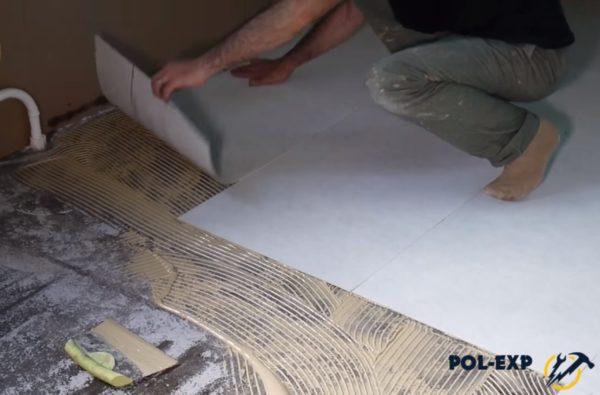 Укладка изолирующей подложки