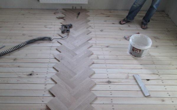 Укладка паркета на деревянный пол