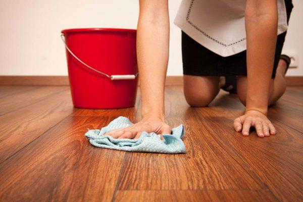 Влажная уборка ламината
