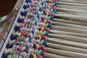 tabl-3-5-300x200 Как сделать ковёр своими руками: история развития ремесла, материалы для изготовления и мастер-класс