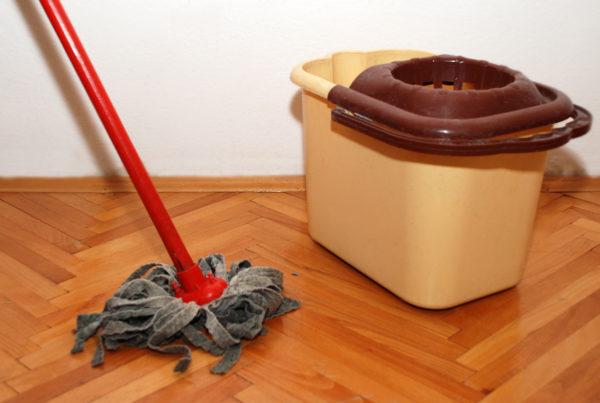 Как мыть деревянные полы
