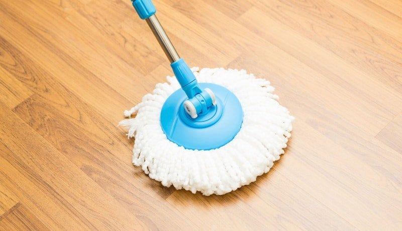 Как правильно мыть полы: виды полов и средства для их очистки, а также мастер класс мытья полов шваброй в квартире