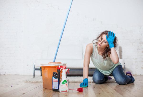 Мытье пола в квартире