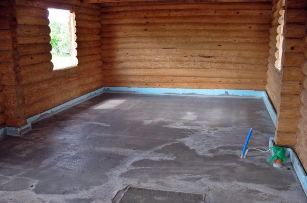 Бетонная стяжка на полу в бане