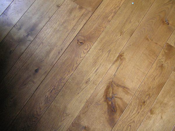 Богатая фактура натуральной древесины