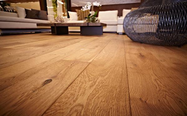 Ни один искусственный материал не сравнится с богатой, естественной фактурой натуральной древесины