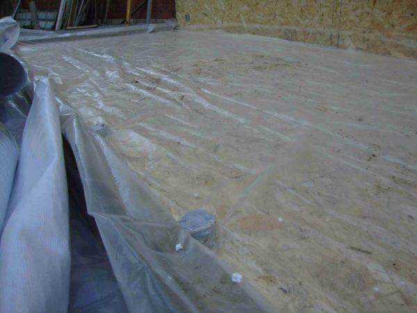 Плотный полиэтилен в качестве гидроизоляционного слоя